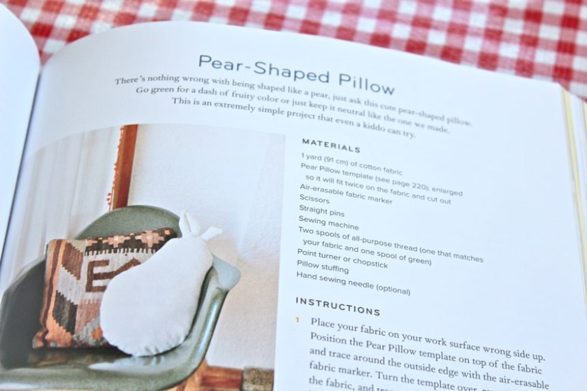 Pear-Shape-Pillow-Pattern-in-Pretty-Prudent-Home