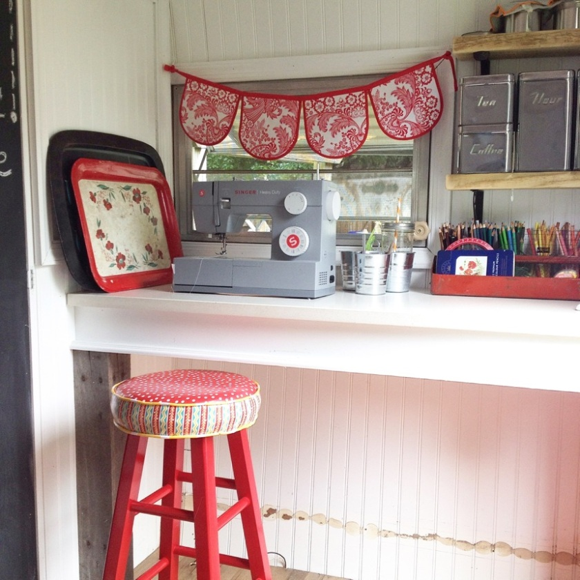 sink out sewing machine in