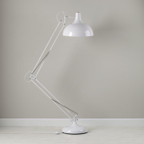 wow-thats-a-big-lamp-white
