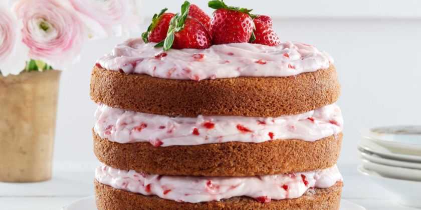 landscape-1456245946-cl-strawberry-limeade-cake