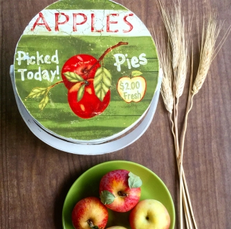 apple-basket-and-fresh-picked-apples