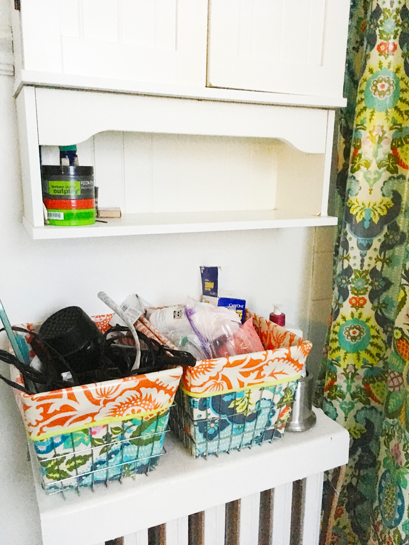 hot-mess-bathroom-storage
